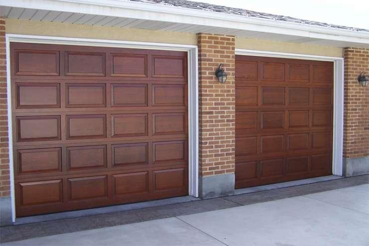 Mediniai garažo vartai